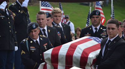 Trump gives $25K to fallen soldier's father, months after to promising to on call